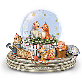 Paws-itively Precious Musical Glitter Globe