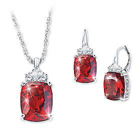 Rare Wonder Pendant Necklace And Earrings Set