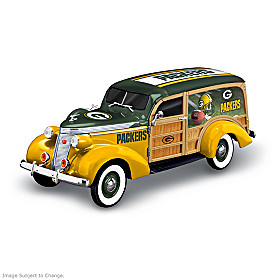 Cruising To Victory Packers Woody Wagon Sculpture
