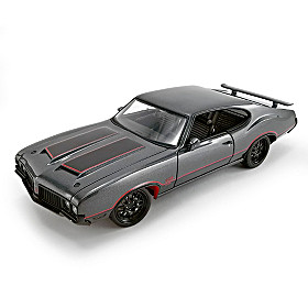 1:18 1970 Oldsmobile 442 W-30 Street Fighter Diecast Car